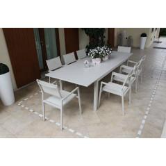 Tavolo Olbia in Alluminio Allungabile  Grigio foto in giardino con prospettiva