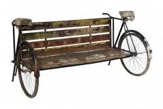 Panca realizzata con due Biciclette
